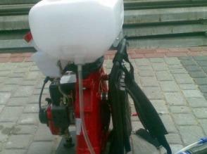 Plecakowy opryskiwacz spalinowy - zdjęcie 1