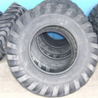 Opony do maszyn budowlanych i rolniczych - zdjęcie 1