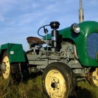 Ciągnik C330 własnej konstrukcji - zdjęcie 1