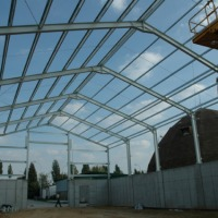 Konstrukcje stalowe hal, obór , chlewni, wiaty na maszyny rolnicze - zdjęcie 1