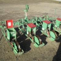 sprzedam siewnik do kukurydzy punktowy mechaniczny - zdjęcie 1
