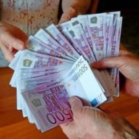 Pomocy osobom w trudnej sytuacji finansowej - zdjęcie 1