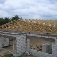 Tarcica konstrukcyjna, wiązary dachowe. - zdjęcie 1